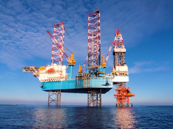 Offshore platforms - HAKURYU-10 | Japan Drilling Co., Ltd. (JDC)